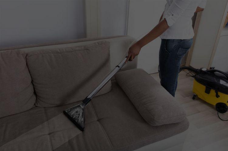 Dubinsko čišćenje tapeciranog namještaja, stolica, tepiha, fotelja